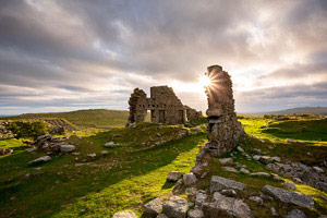 Sun setting beind Foggintor ruins, Dartmoor